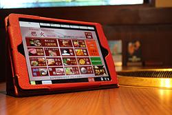 全てのテーブルに注文専用のタッチパネルをご用意しております。